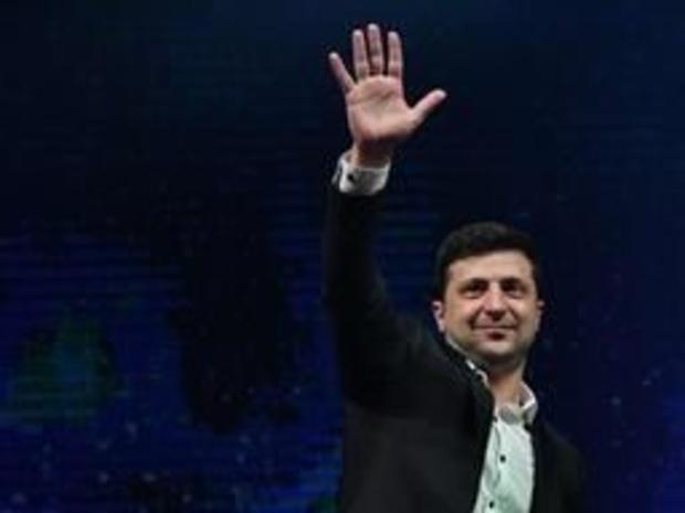 L'Ukraine élit son président avec un comédien comme favori