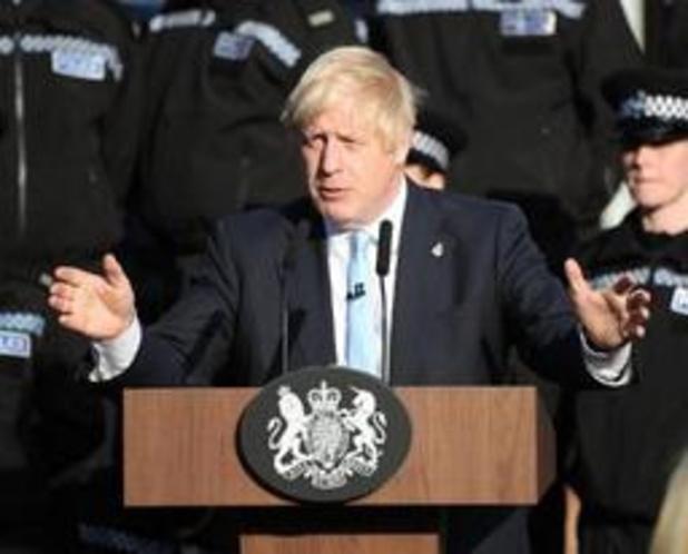 """Opnieuw uitstel van brexit vragen? """"Ik lig nog liever dood in een gracht"""", zegt Johnson"""