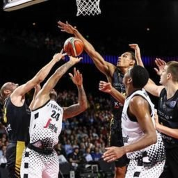 Champions League basket (m) - Bologna klopt Tenerife in finale in Antwerps Sportpaleis