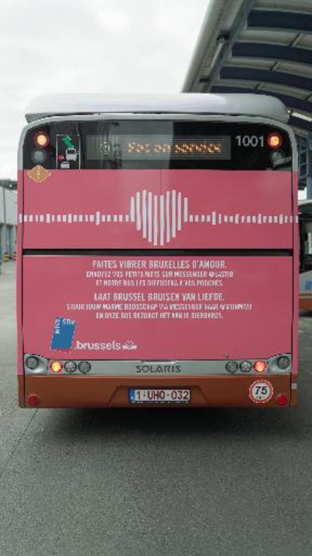 Un bus de la Stib diffusera en rue des messages destinés aux proches