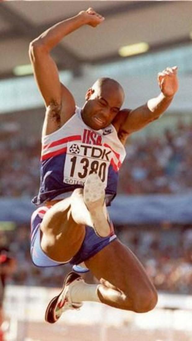 Le record du monde du saut en longueur de Mike Powell fête ses 30 ans