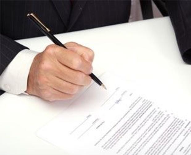 Un fonctionnaire escroque un ministère britannique au moyen de faux contrats IT