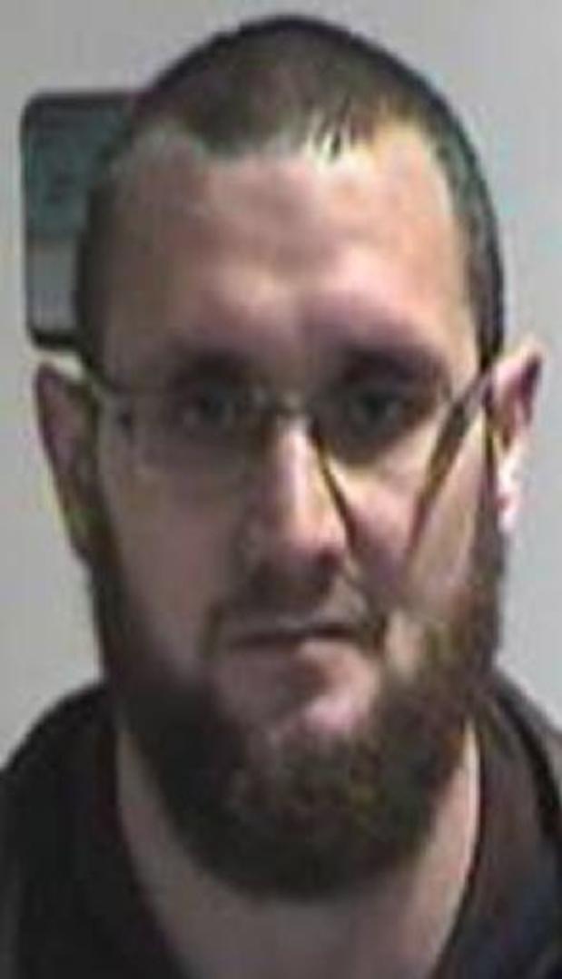Federale politie verspreidt opsporingsbericht voor ontsnapte gevangene in Gent