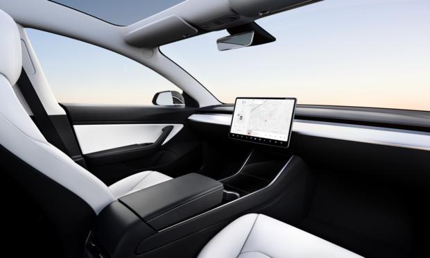 Elon Musk: 'Tesla heeft volgend jaar zelfrijdende taxi's'