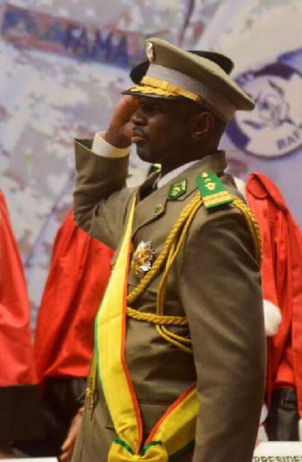 """Tentative d'assassinat du président de transition au Mali: """"je vais très bien"""", dit Goïta"""