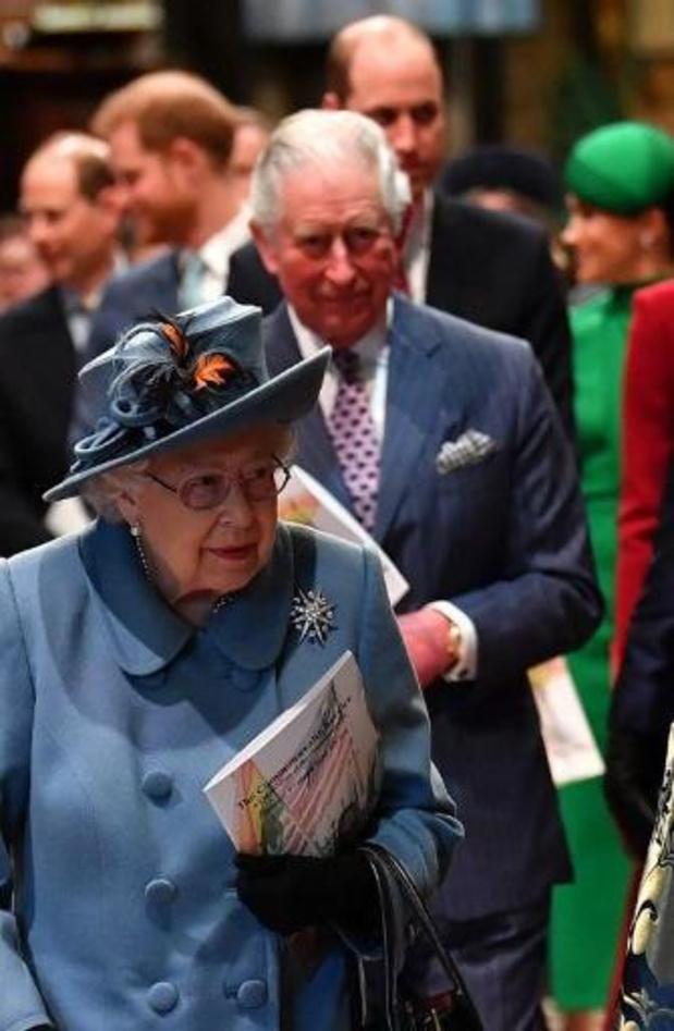 Britse Queen verlaat Buckingham Palace vanwege geruchten over lockdown in Londen