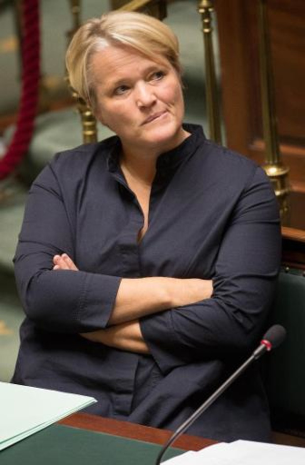 "Minister Muylle noemt campagne Bicky Burger ""schandalig en onverantwoord"""