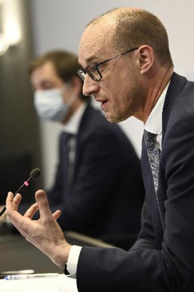 """""""Logisch dat terrassen op 8 mei openen"""", vindt minister Van Peteghem"""