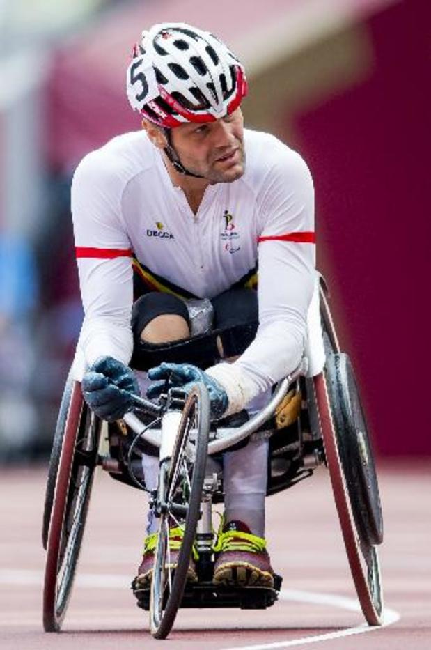 Peter Genyn verlengt titel op 100m, Roger Habsch pakt brons