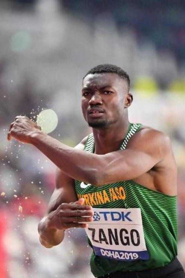 Hugues Fabrice Zango verbetert wereldrecord hink-stap-springen in zaal