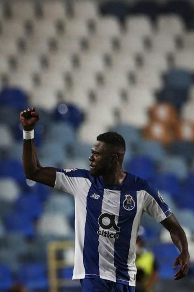 Porto remporte la Coupe face au Benfica grâce à deux buts de Mbemba et réalise le doublé