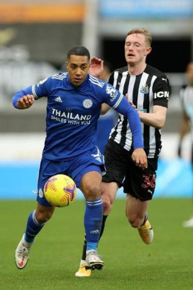 Tielemans helpt Leicester met goal aan uitzege bij Newcastle