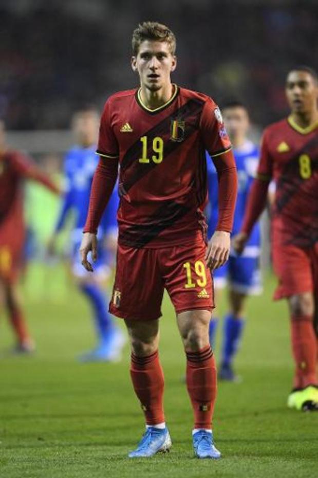 Belgen in het buitenland - Leicester, met Dennis Praet, klopt Everton na strafschoppen in League Cup