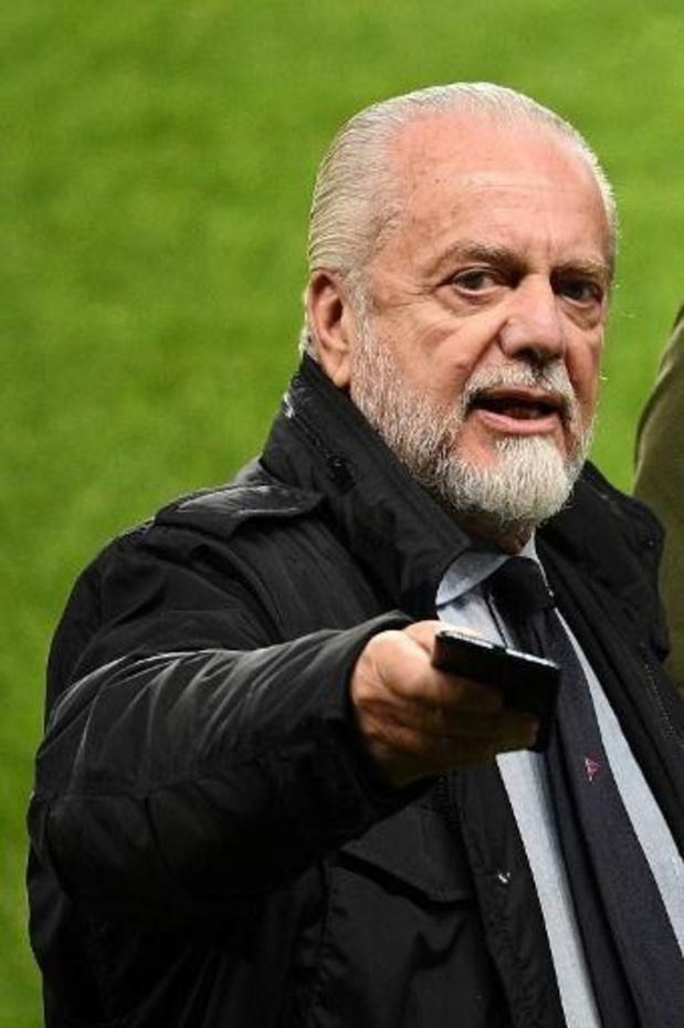 Le président de Naples ne veut pas jouer le 8e de finale retour à Barcelone