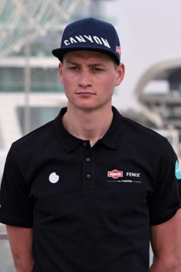 Tour des Émirats arabes unis : Mathieu van der Poel ouvre sa saison sur route par un succès