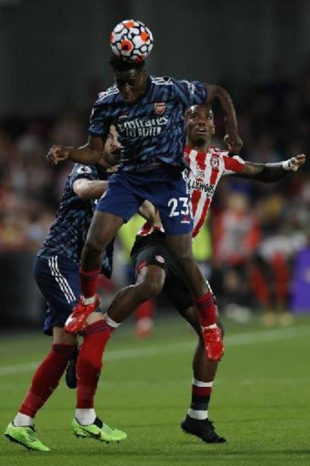 Belgen in het buitenland - Sambi Lokonga meteen in de basis bij Arsenal, dat pijnlijke nederlaag lijdt bij Brentford