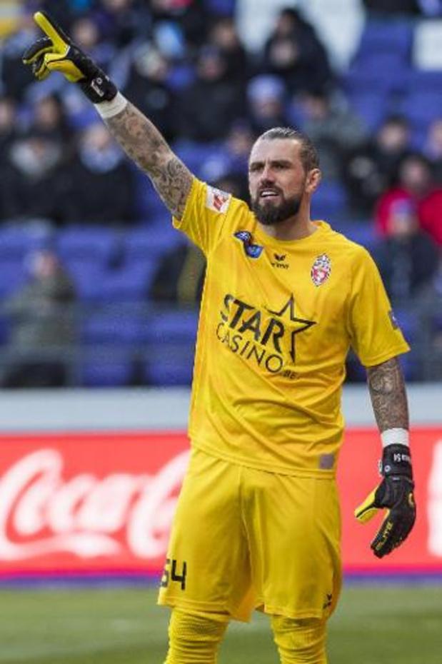 Logan Bailly signe à Namur
