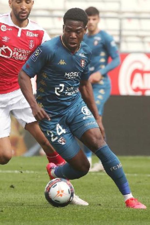 Aaron Leya Iseka quitte Toulouse pour rejoindre Obbi Oularé à Barnsley