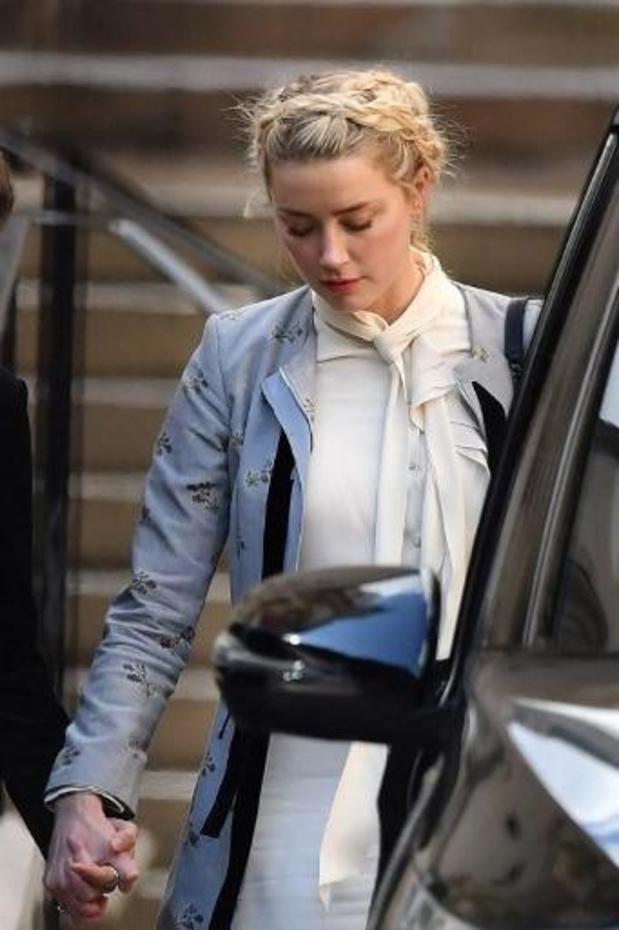 Amber Heard reconnait avoir frappé une fois Johnny Depp pour défendre sa soeur