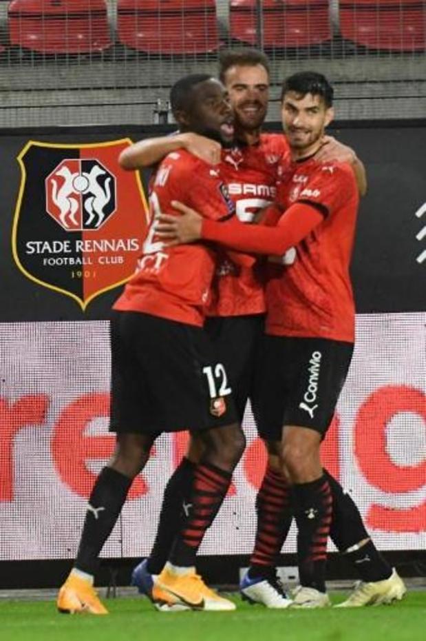 Belgen in het buitenland - Rennes buigt achterstand om in zege, Doku speelt ruim een uur