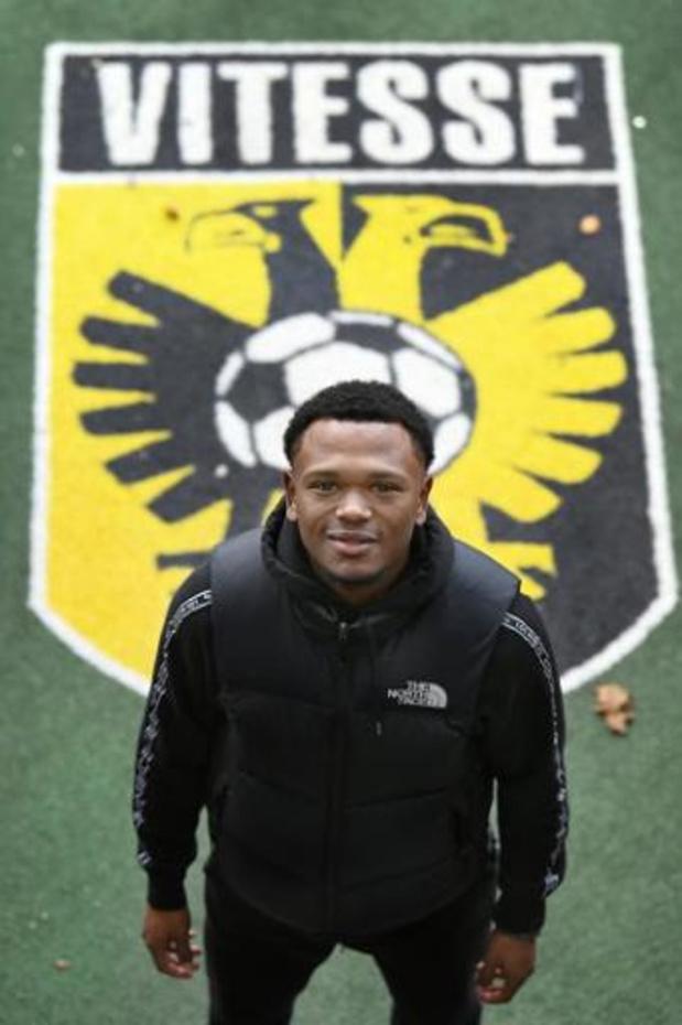 Les Belges à l'étranger - Vitesse (1-4 à Emmen) rejoint l'Ajax à la première place en Eredivisie