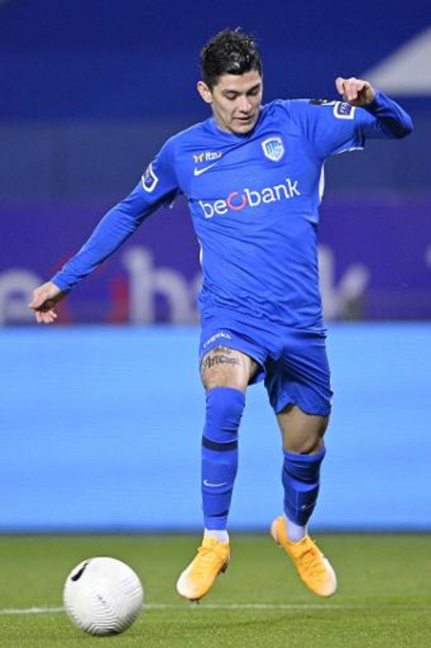 Jupiler Pro League - Genk se défait facilement de Courtrai et revient à deux points du Club de Bruges