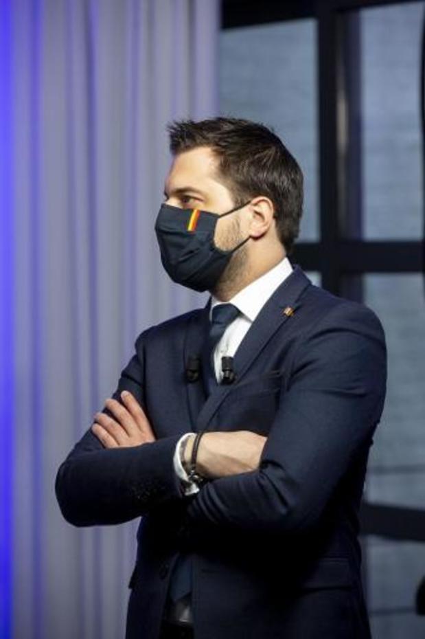 """Le président du MR convoque un conseiller communal qui voulait """"casser du casque"""""""