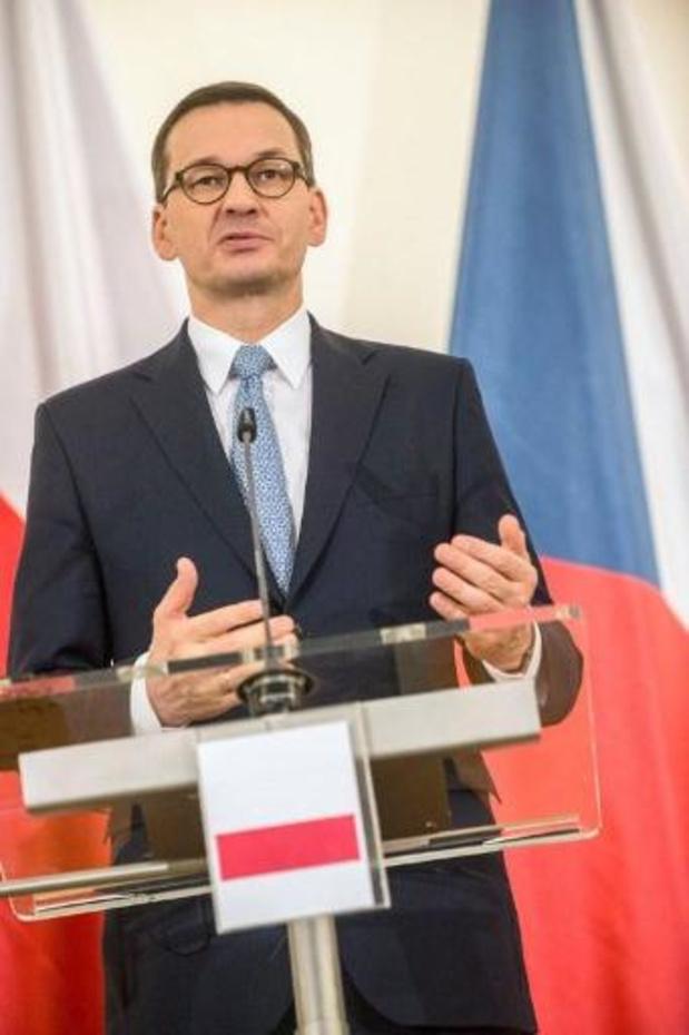 """Pologne: le parti conservateur au pouvoir annonce un gouvernement de """"continuité"""""""