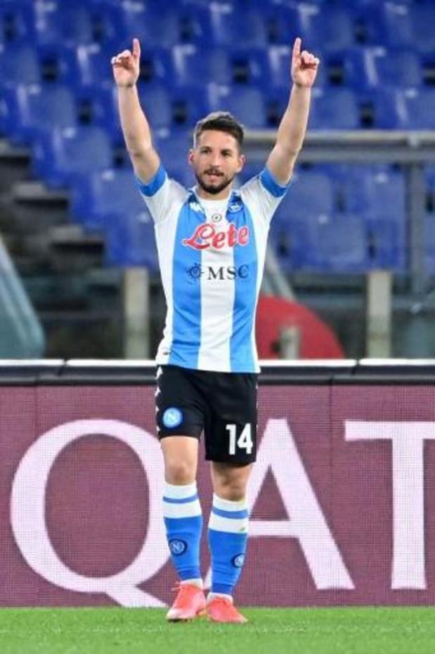 Scorende Mertens helpt Napoli tegen Crotone aan nipte winst