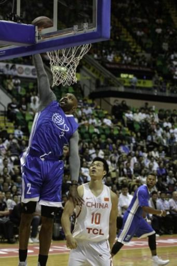 NBA - Milwaukee wint opnieuw, LA Clippers en Dallas lijden verrassende thuisnederlagen