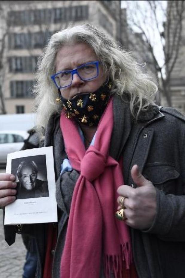 Enquête sur des dîners clandestins à Paris: l'accusateur des ministres se renie