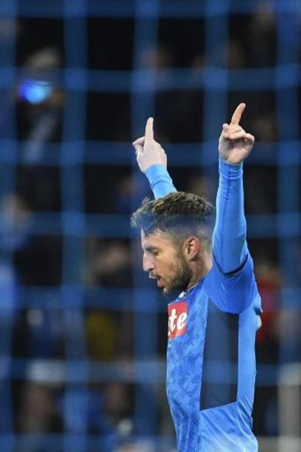 Napoli eert Dries Mertens met speciaal shirt