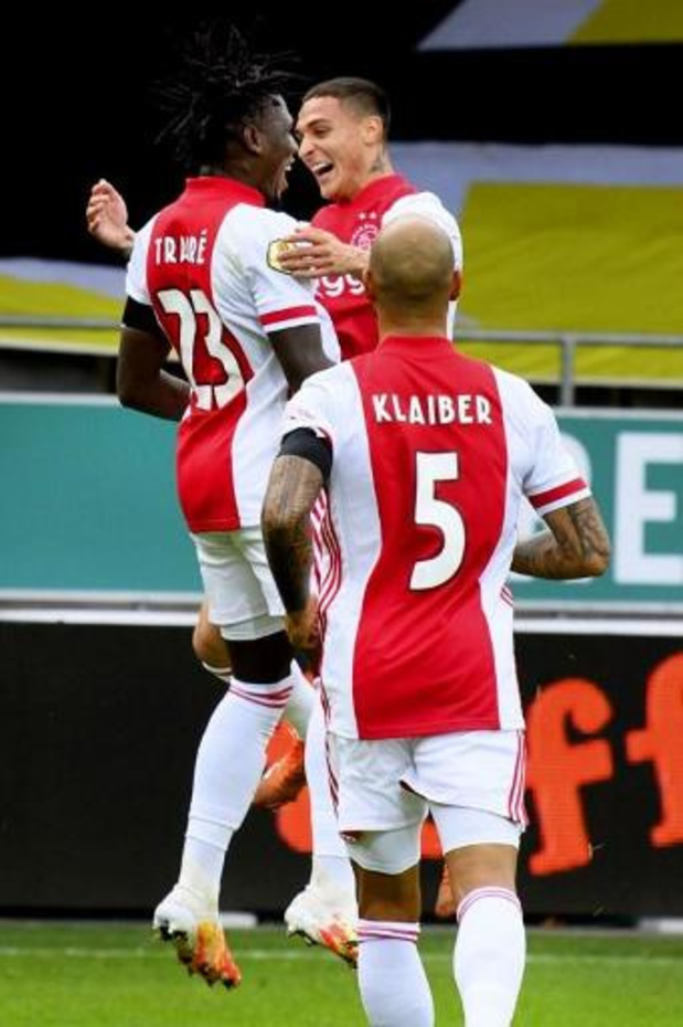 Eredivisie - Ajax viert grootste zege ooit in eredivisie