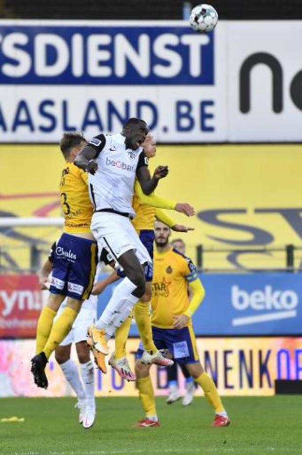 Jupiler Pro League - Genk accroché de justesse à Waasland-Beveren (1-1), toujours pas de victoire pour Thorup