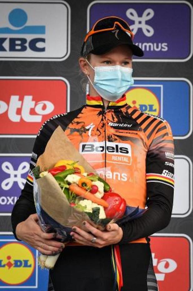 """Gent-Wevelgem - Jolien D'hoore eerste Belgische winnaar: """"Eindelijk is het gelukt"""""""