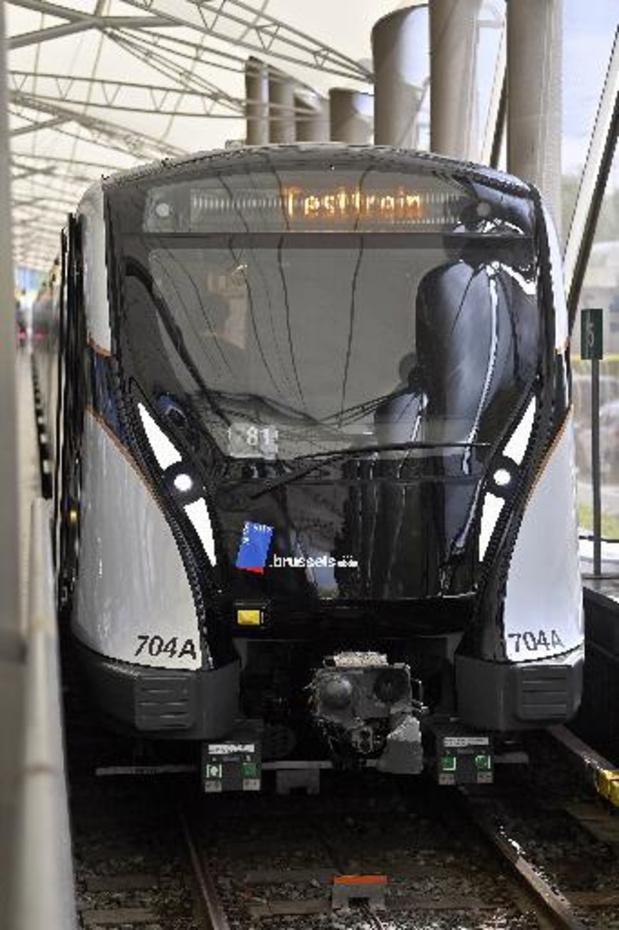 Brusselse reizigers stappen voor eerste keer op gloednieuwe metro M7