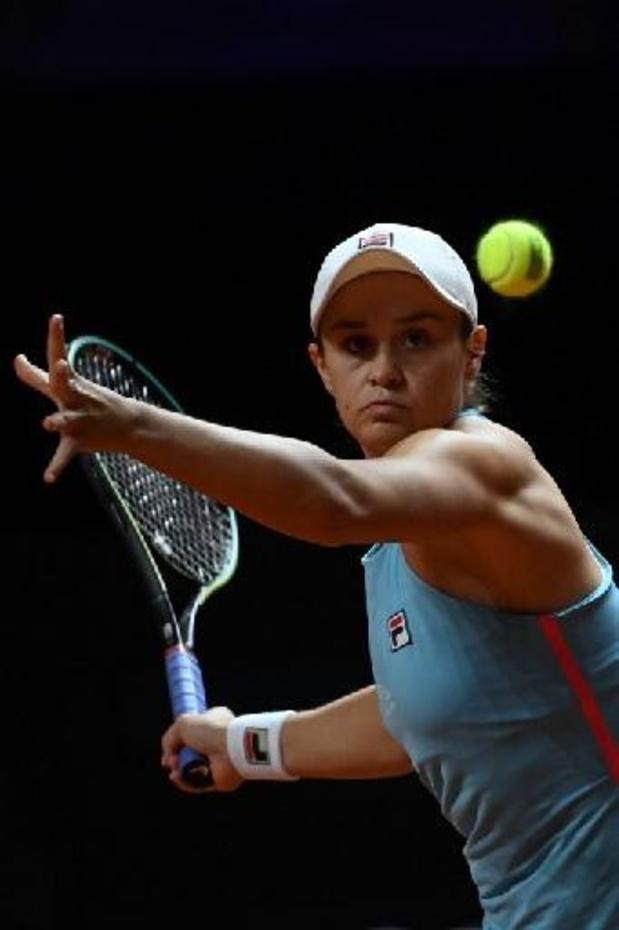 Ashleigh Barty glipt in Stuttgart door oog van de naald tegen Karolina Pliskova