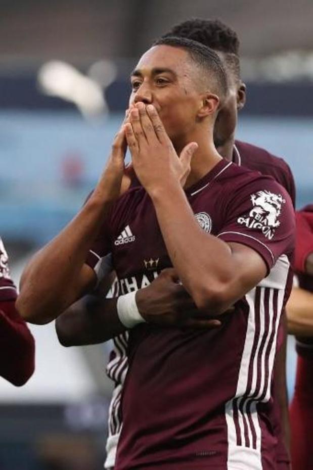 Praet en Tielemans winnen met Leicester, AC Milaan pakt drie punten zonder Saelemaekers