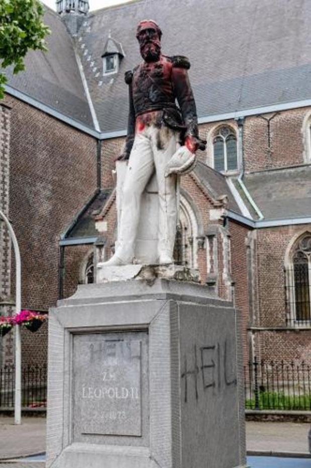 Standbeeld van Leopold II in Ekeren verwijderd voor restauratie na vandalisme