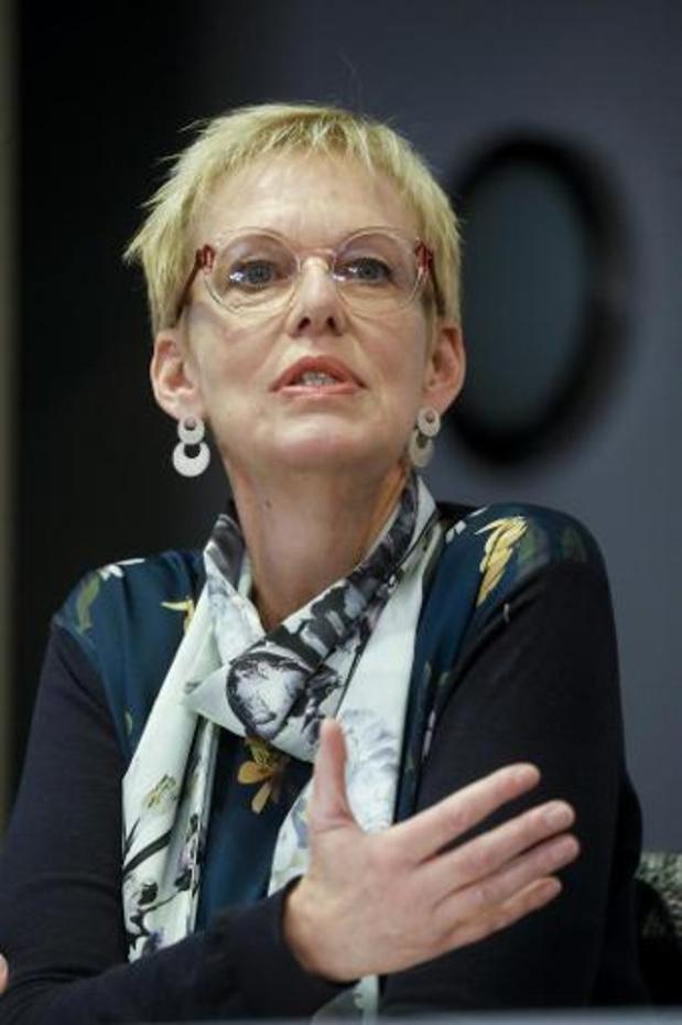 Mme Lalieux veut payer la hausse de la pension minimum avec l'argent du 2e pilier