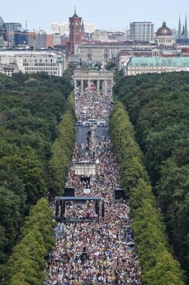 """Coronavirus - Allemagne: le ministre de la Santé furieux contre les manifestants """"anticoronavirus"""""""