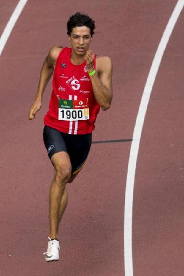 """GP Mingels - Jonathan Sacoor duikt ruim onder persoonlijk record op 200m: """"Met wat ritme kan ik sub 21"""""""