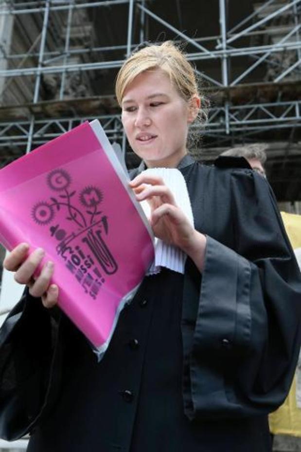 Dertigtal advocates protesteren tegen seksisme binnen justitie