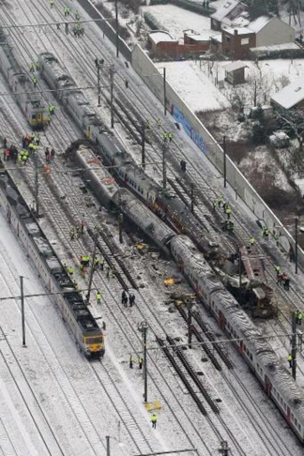 """Treinramp Buizingen - """"AVG of spoorwissel zouden ramp niet vermeden hebben"""""""