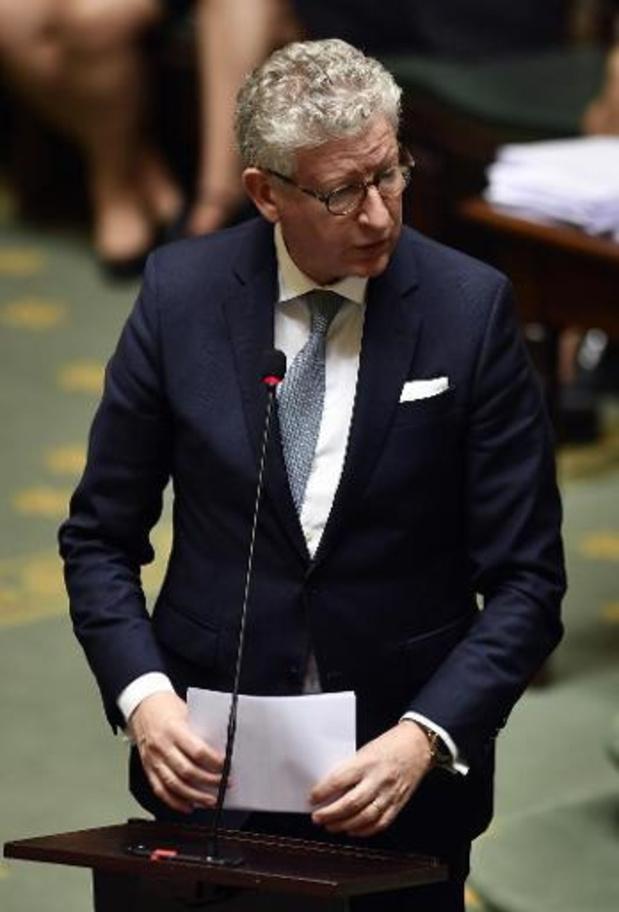 Minister De Crem wil sociaal conflict bij luchthavenpolitie deblokkeren
