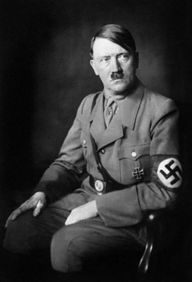Ontdekte brieven suggereren dat Hitler sterk werd beïnvloed door vader
