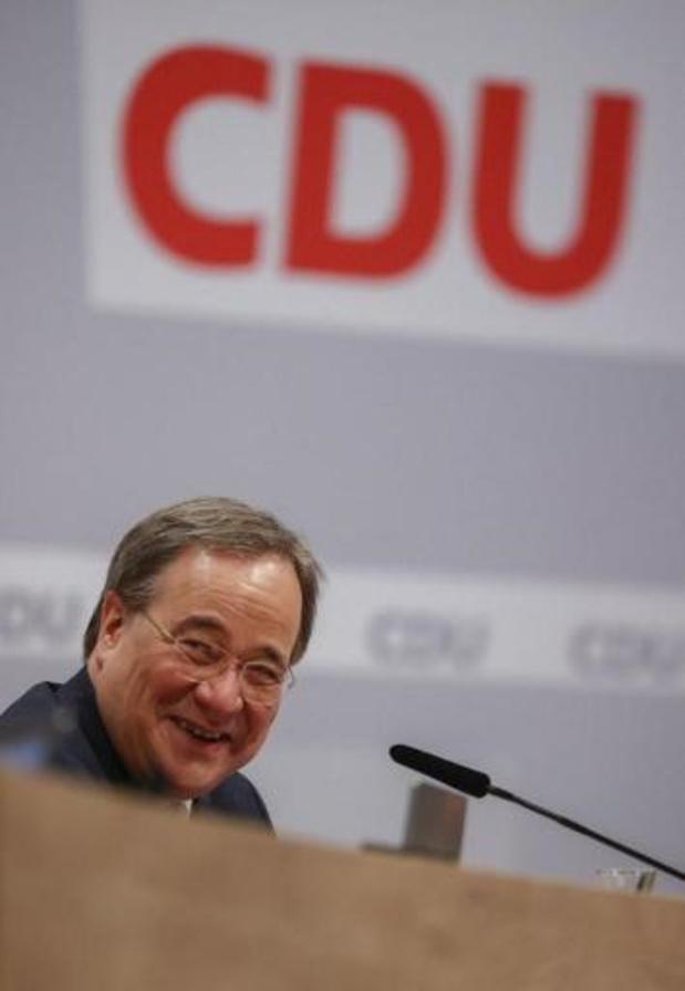 Armin Laschet, favorable à la continuité avec Merkel, élu président de la CDU