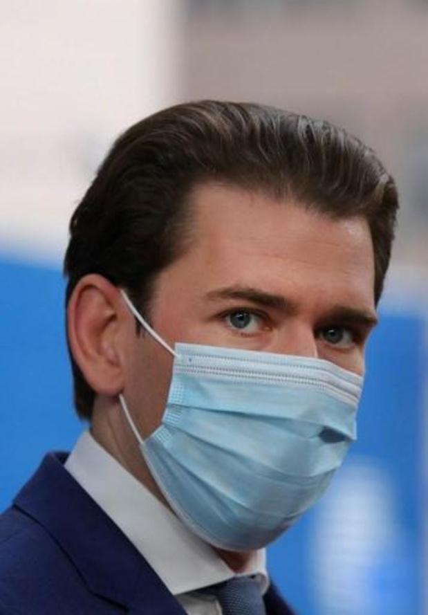 Oostenrijkse kanselier dreigt met nieuwe lockdown