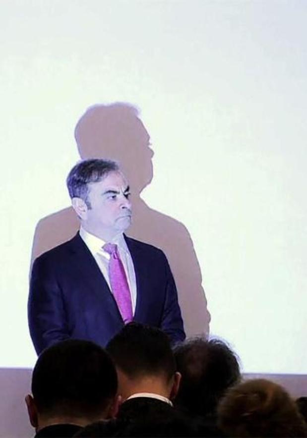 """Première apparition publique de Carlos Ghosn, déterminé à """"laver son honneur"""""""