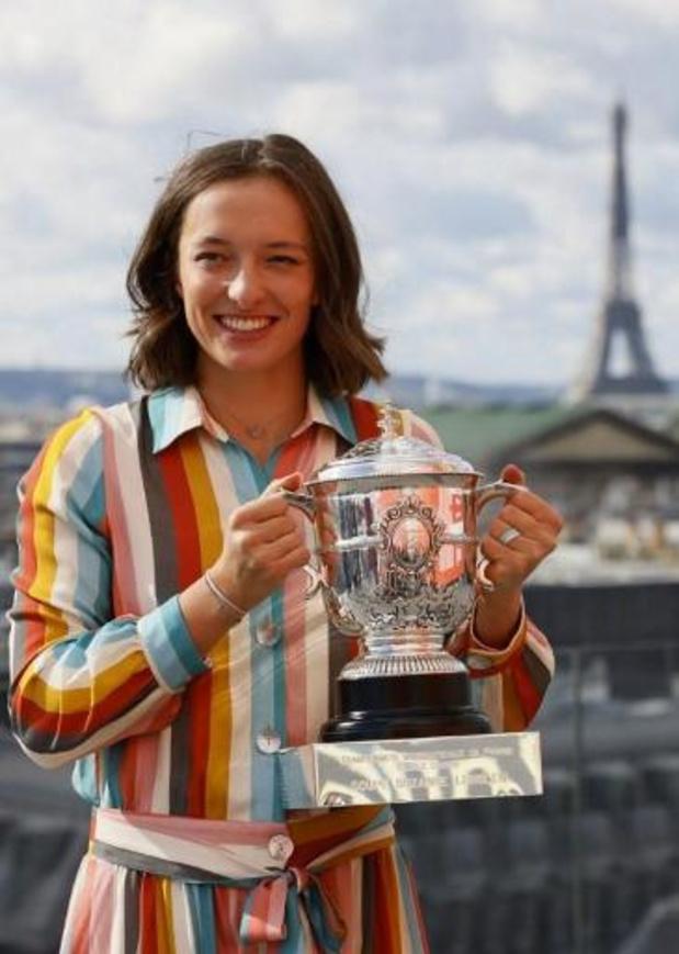Roland Garros-laureate Swiatek zit in quarantaine na contact met besmette Poolse president